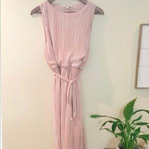 BB Dakota Blush Midi Dress